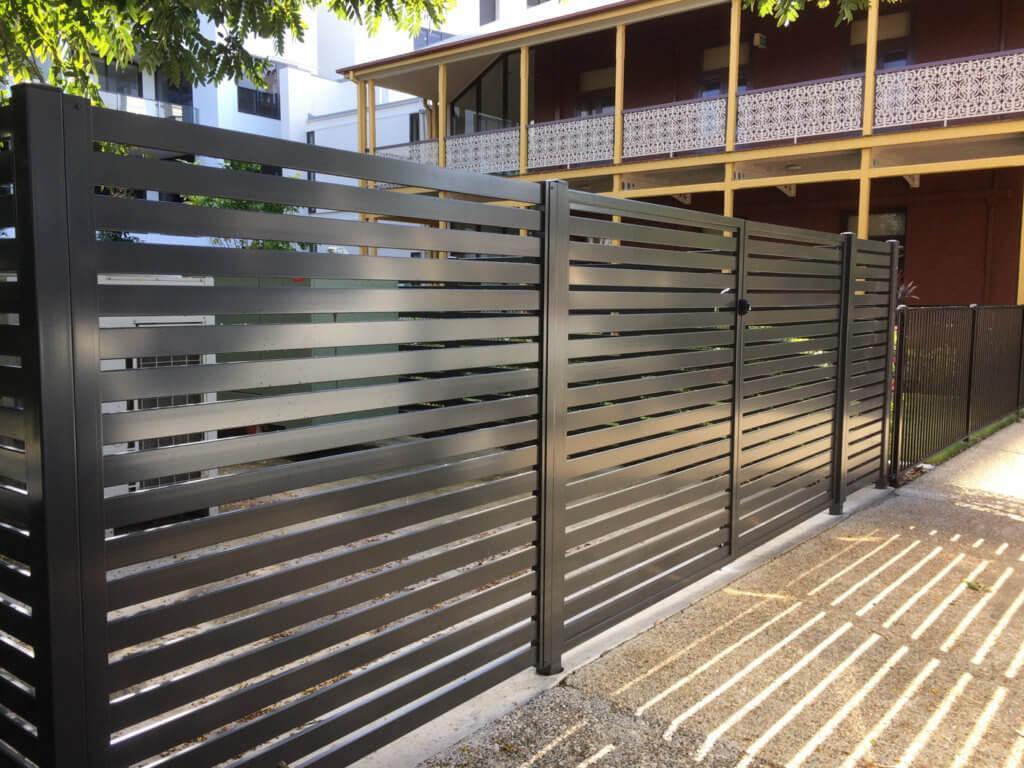 Алюминиевый забор для дачи