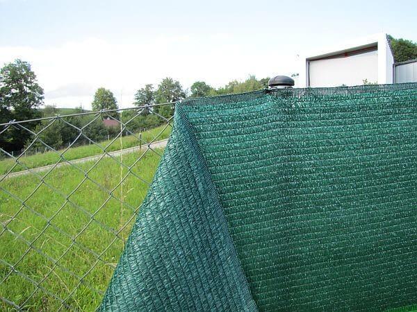 Фасадная сетка для забора на даче 2х50