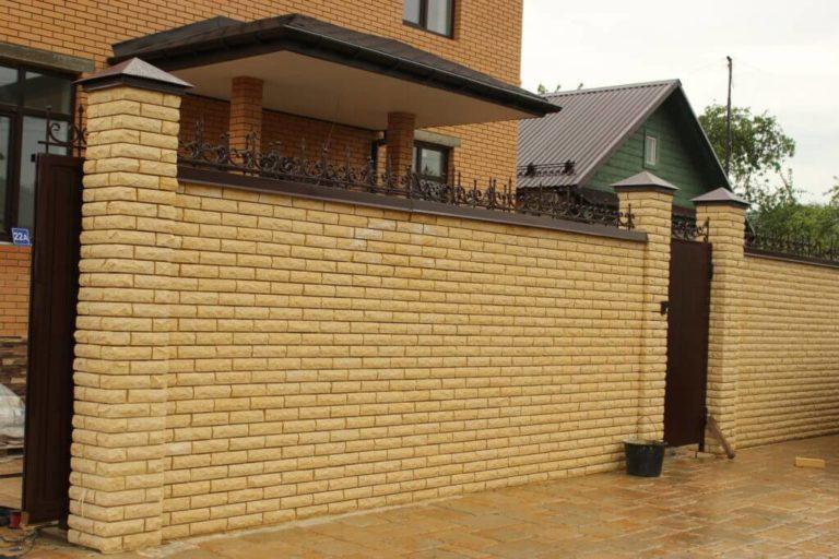 Забор для дачи из кирпича