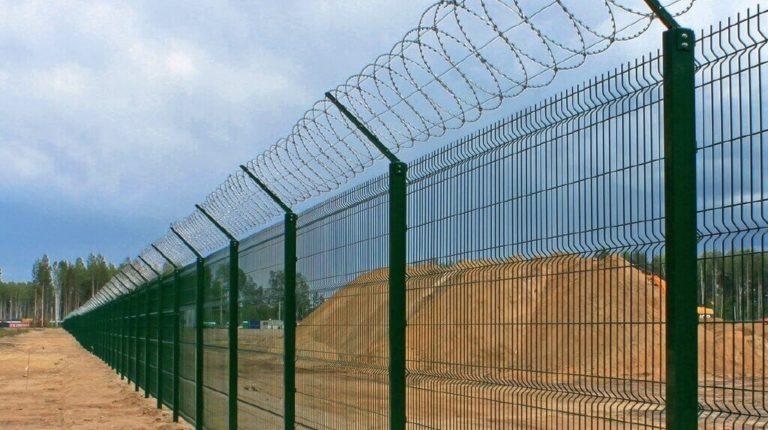 3д забор с колючей проволокой