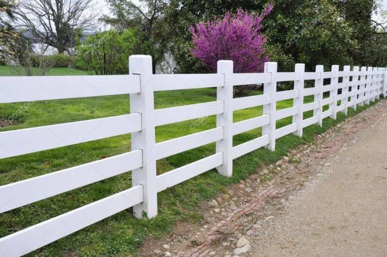 Белый деревянный забор в стиле кантри