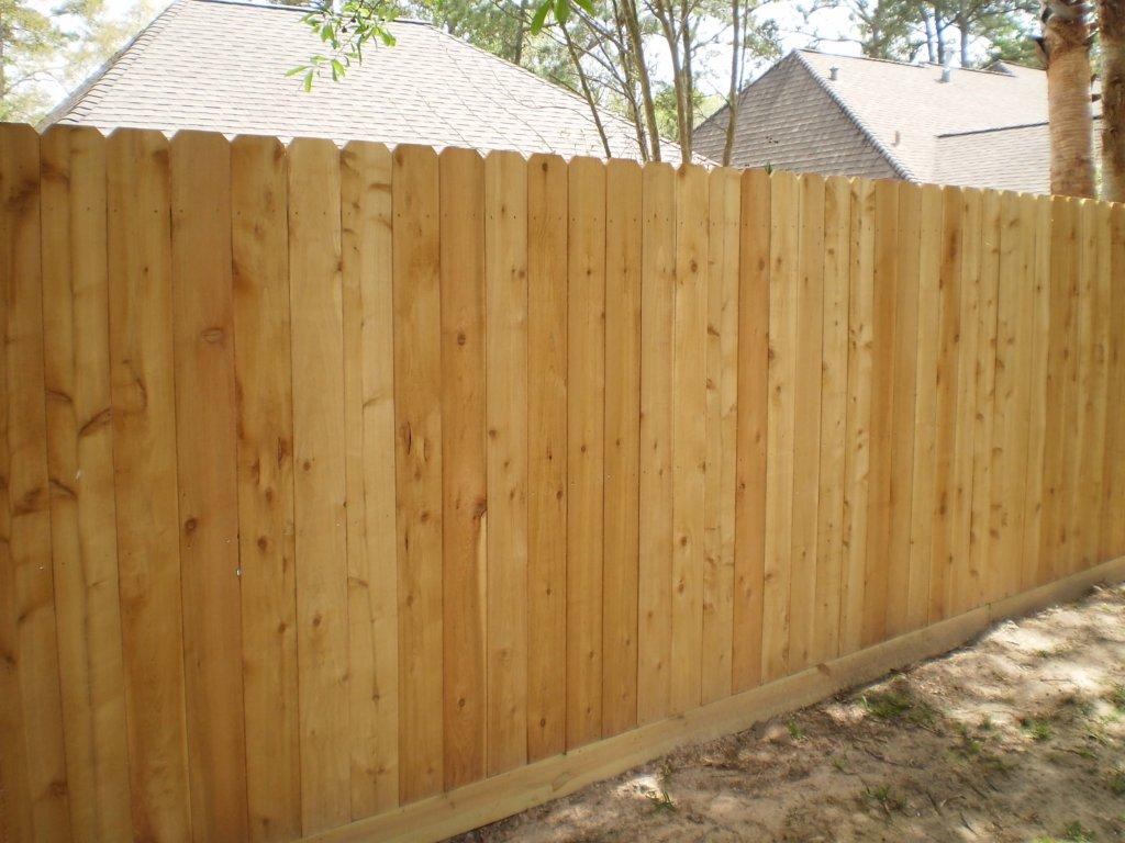 Деревянный забор без щелей
