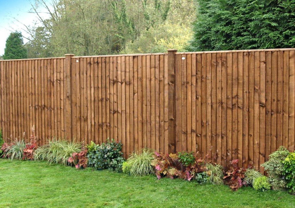 Правильный деревянный забор