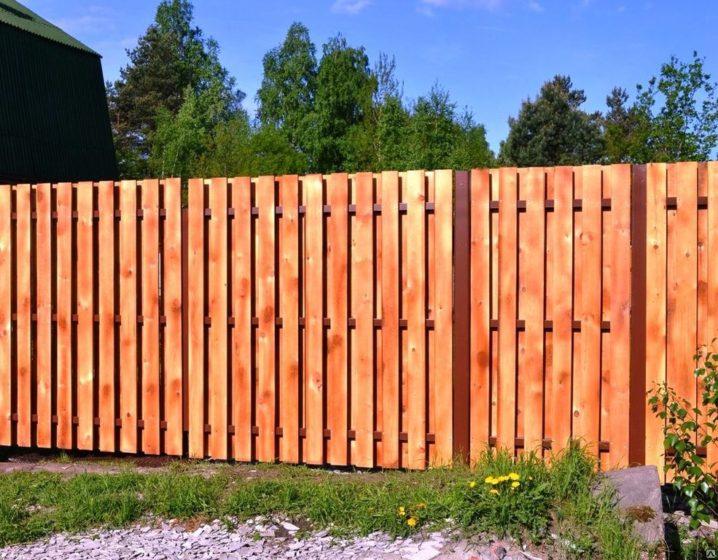 Забор деревянный вентилируемый шахматка