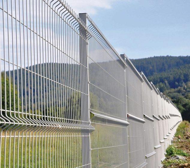 Забор из секционных панелей