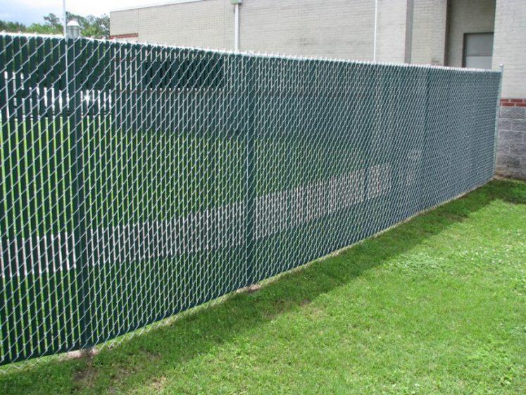Забор из сетки рабицы непрозрачный